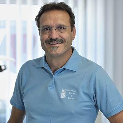 Dr. Thomas Bauer: Zahnarzt in Köln
