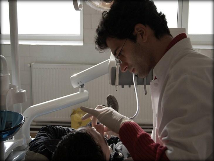 limpieza-dental-con-ultrasonido