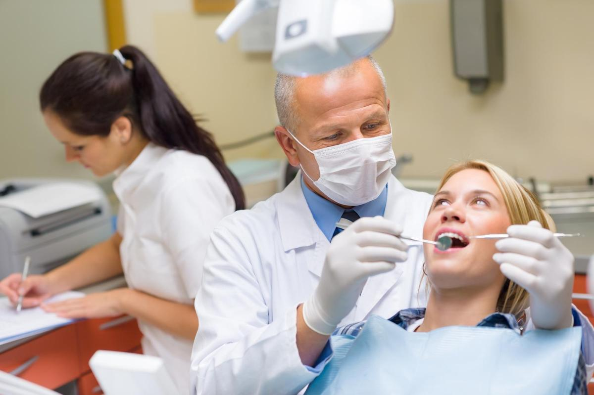 Dentist-Patient-1600-x-1065.jpg?fit=1200%2C799&ssl=1