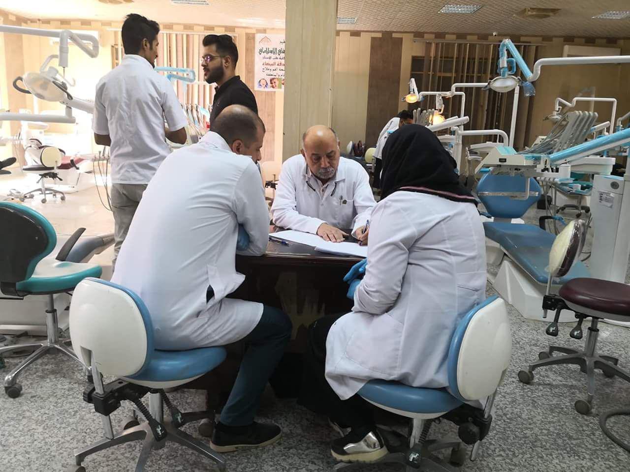 السيد عميد كلية طب الاسنان يتفقد العيادات التعليمية