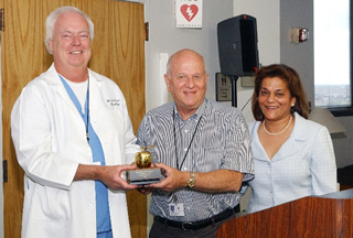 Dr. Williams receives Golden Apple Award