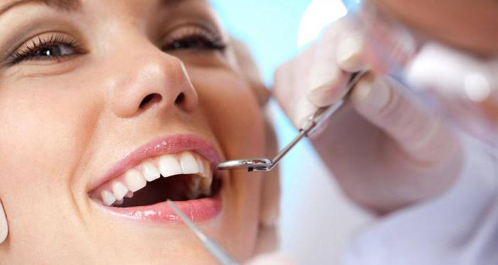 Inspektion des Zahnarztes