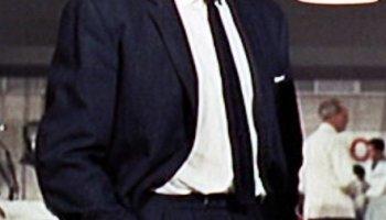 1e29a2b1ab58 En rigtig knaphulsblomst til smoking og bryllup - Den velklædte mand