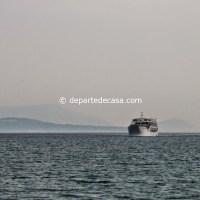 Feribot intrand in portul Vassiliki