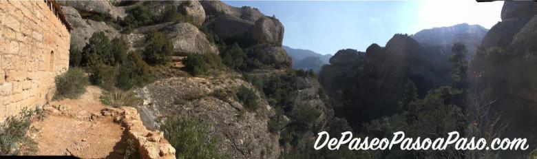 vista del sendero a tomar desde la ermita para verla desde lejos