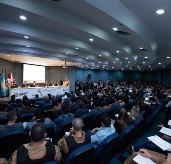 Lojas francas e vitivinicultura são temas em destaque no VII Seminário Fronteiras do Brasil