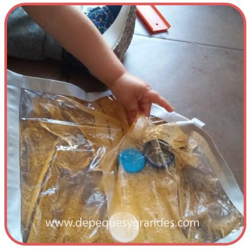 manipulando bolsa sensorial 2