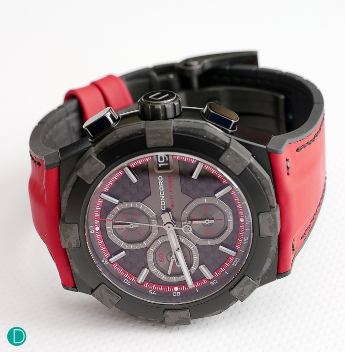 Concord C1 Nightracer, a watch that is created to pay homage to the F1 Night Race in Singapore.