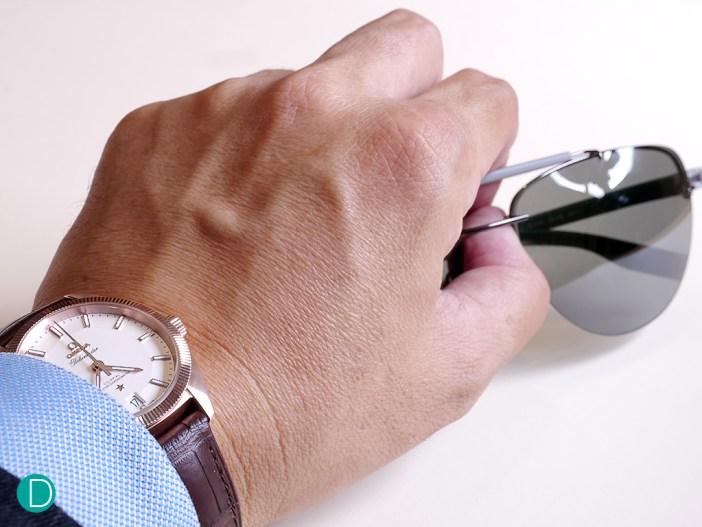 omega-globemaster-wrist