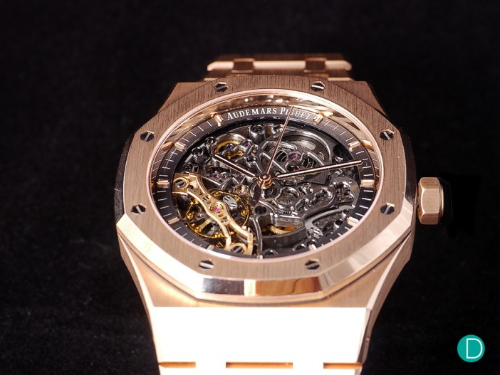 The watch is also available in 18 K pink gold.