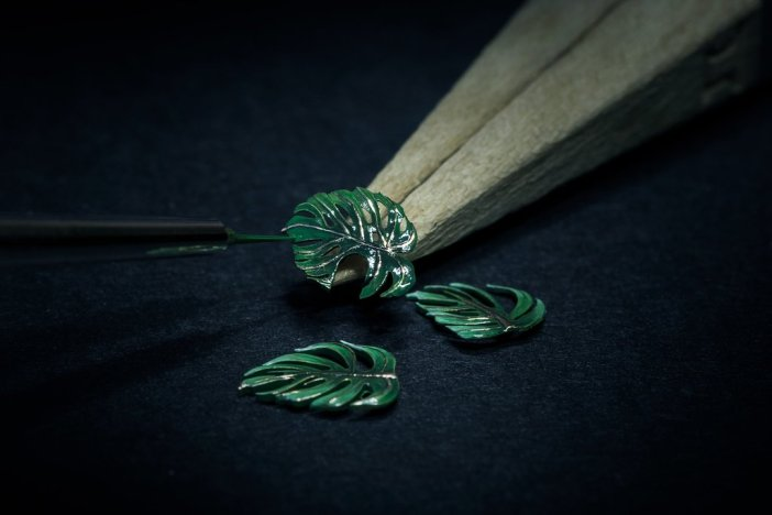 Jaquet Droz Tropical Bird Repeater dial making leafs