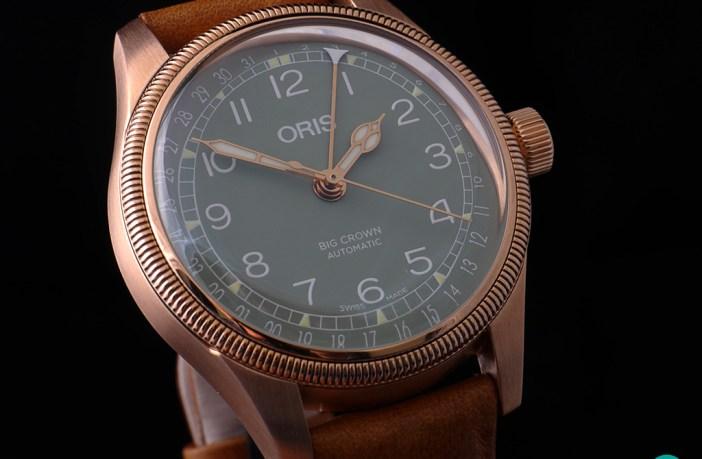Oris Big Crown Pointer Date Bronze oblique