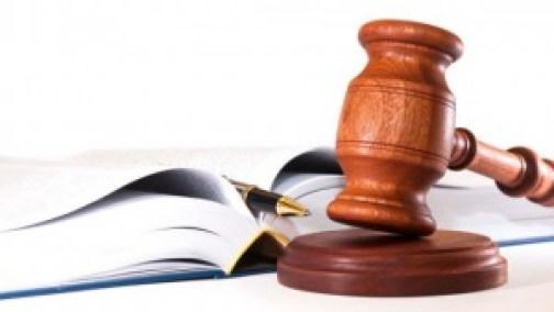 abogado-mazo-de-juez