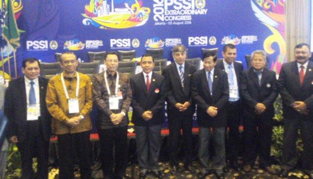 KLB PSSI yang berlangsung di Ancol menetapkan Hinca Panjaitan sebagai Plt Ketua Umum PSSI.