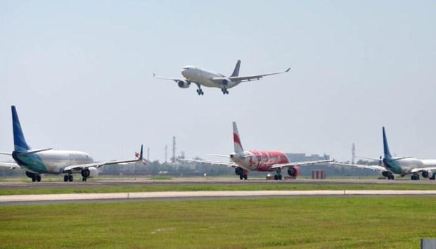 Pesawat terbang (ilustrasi)