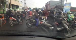 Beginilah minimal kemacetan di pertigaan Kodim 0508/Depok