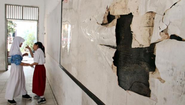 SD Negeri Pondok Cina Depok diobrak abrik maling.