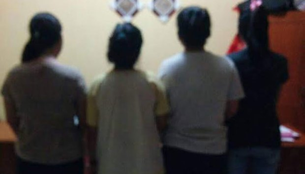 Hanya gara-gara status di FB, 4 perempuan sadis ini menganiaya gadis ABG.