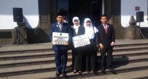 Suhyana terpilih sebagai kepala sekolah terbaik Jawa Barat dan dapat hadiah umrah dari Gubernur Jawa Barat.