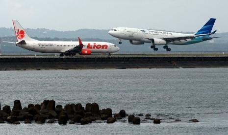 Lebih dari 3 juta orang pakai pesawat pulang kampung. Angka ini naik dibanding tahun lalu.