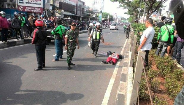 Samuel tewas setelah motornya menghantam pembatas jalan di Jalan Raya Margonda.