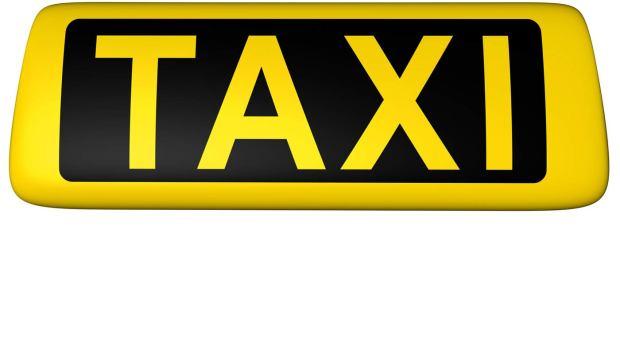 Taxi konvensional terancam gulung tikar karena kalah bersaing.