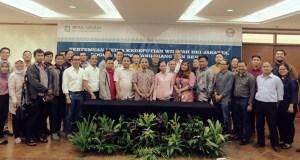 Jajaran BPJS Kesehatan Jabodetabek berfoto bersama usai mengadakan pertemuan di Depok