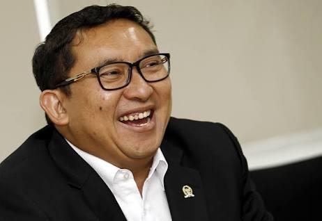 Fadli Zon terpilih sebagai Plt Ketua DPR menggantikan Setya Novanto.