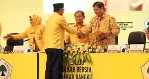 Ketua Umum Golkar Airlangga Hartarto menunjuk Frederick sebagai Sekjen Partai Golkar menggantikan Idrus Marham.