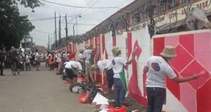 Aksi sekitar 1.000 mahasiswa dan  dosen Universitas Gunadarma melukis di dinding, akhirnya dapat MURI.