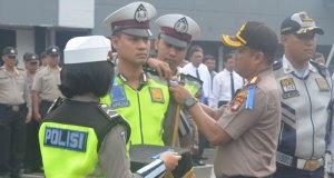 Kapolres Depok, Kombes Didik Sugiarto memimpin Apel Pasukan pelaksanaan Operasi Simpatik Keselamatan Jiwa 2018.