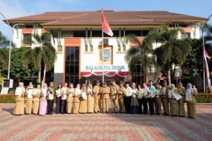 Sebanyak 20 sekolah di Kota Depok meraih penghargaan Adiwiyata dari Provinsi Jawa Barat.