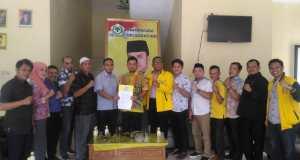 Pengurus Partai Golkar Kota Depok usai membahas kasus Juanah Sarmilih dan Supriatni di kantor DPD Partai Golkar Kota Depok.