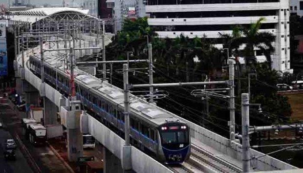 MRT Lebak Bulus ke Bundadaran HI akan diujicoba akhir bulan ini.