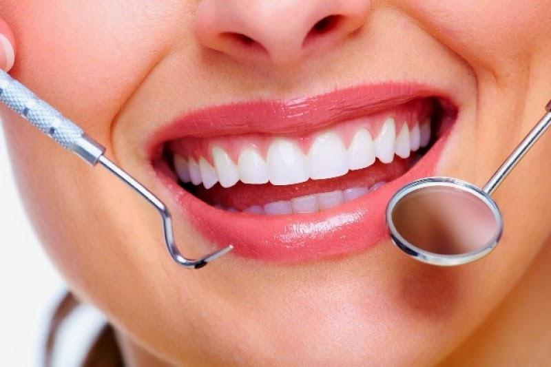 merawat kesehatan gigi