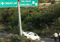 En Manzanillo, fuerte accidente en la salida al Naranjo, solo deja daños materiales