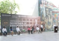 Conmemoran 100 años de la fundación de la SEP