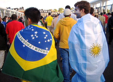 Argentina y Brasil son los dos grandes exportadores de jugadores en el mundo.