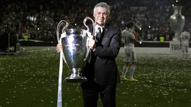 """Carlo Ancelotti es uno de los dos entrenadores que ha logrado tres """"Orejonas""""."""