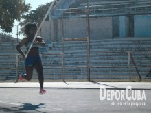 Yarisley Silva_Entrena_La Habana_2015_DeprCuba (20)