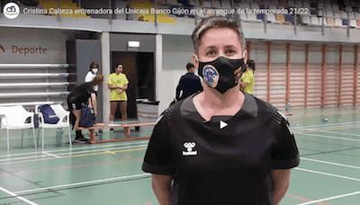 Cristina Cabeza entrenadora del Unicaja Banco Gijón en el arranque de la temporada 21:22