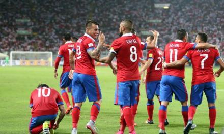 Chile consigue valiosa victoria en Perú y se mantiene entre los líderes de las clasificatorias