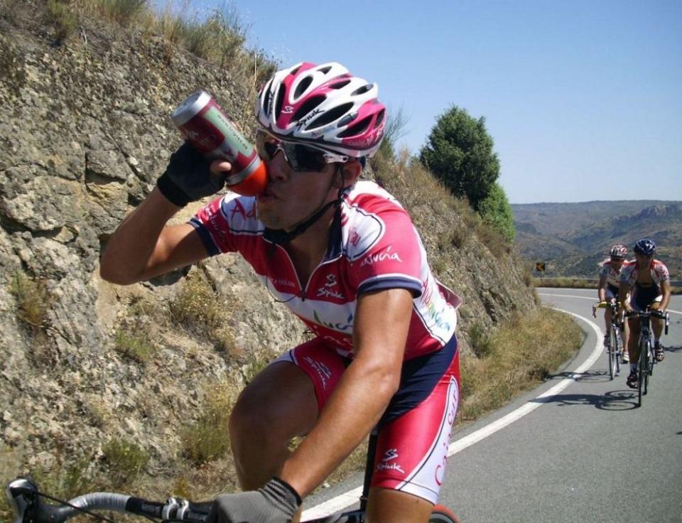 Beber agua durante el entrenamiento