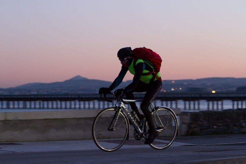 hacer ejercicio sin música ciclismo