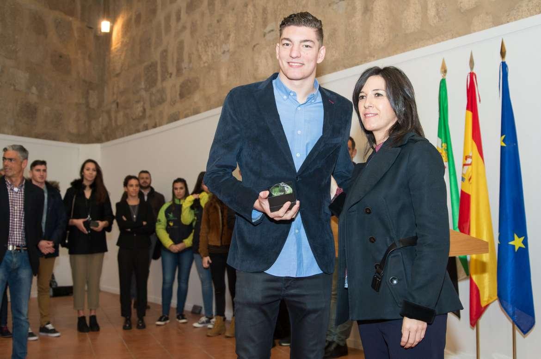06 El presidente de la Junta de Extremadura recibe a los deportistas extremeño