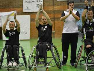 José Cano dimite como director deportivo para centrarse como jugador