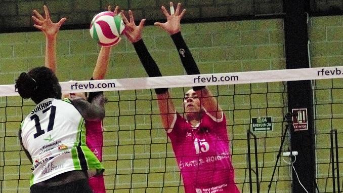 El Extremadura Arroyo 30 se despide mañana de cuatro años en la élite del voleibol español en la cancha del líder Naturhouse