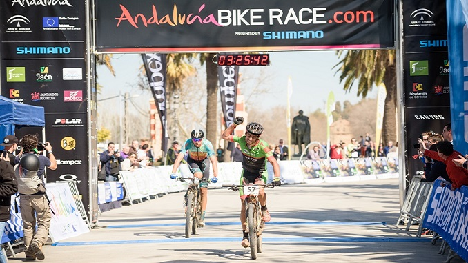 Gesta de Pedro Romero ganando la etapa reina de la Andalucía Bike Race 2017