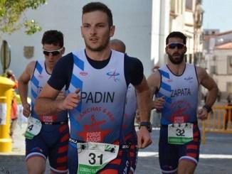 Triunfo de la sección de Triatlón del Capex en categoría mixta y tercer puesto masculino en Arroyo de la Luz
