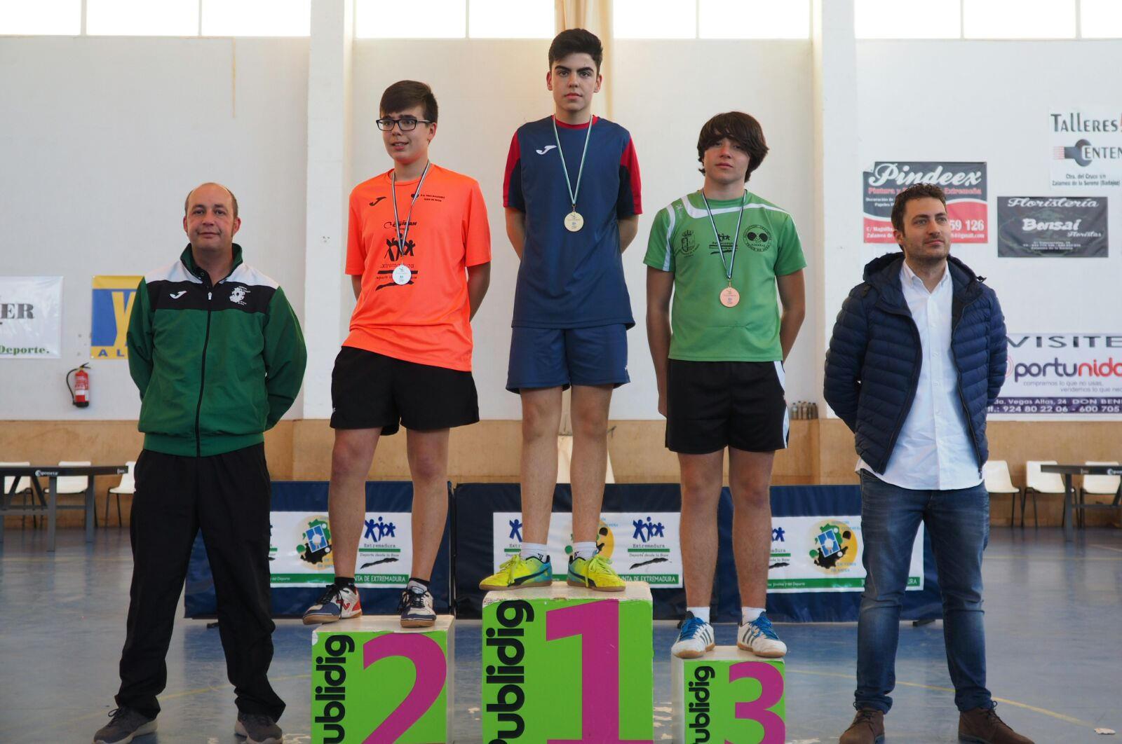 Cuatro medallas en el Top 8 Escolar